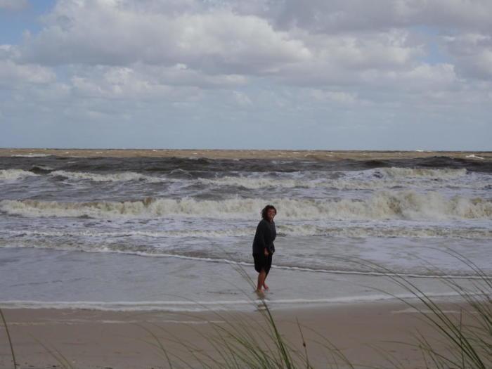 Barfuß in den Wellen