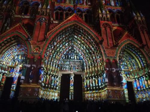 Kirche mit beeindruckender Lightshow